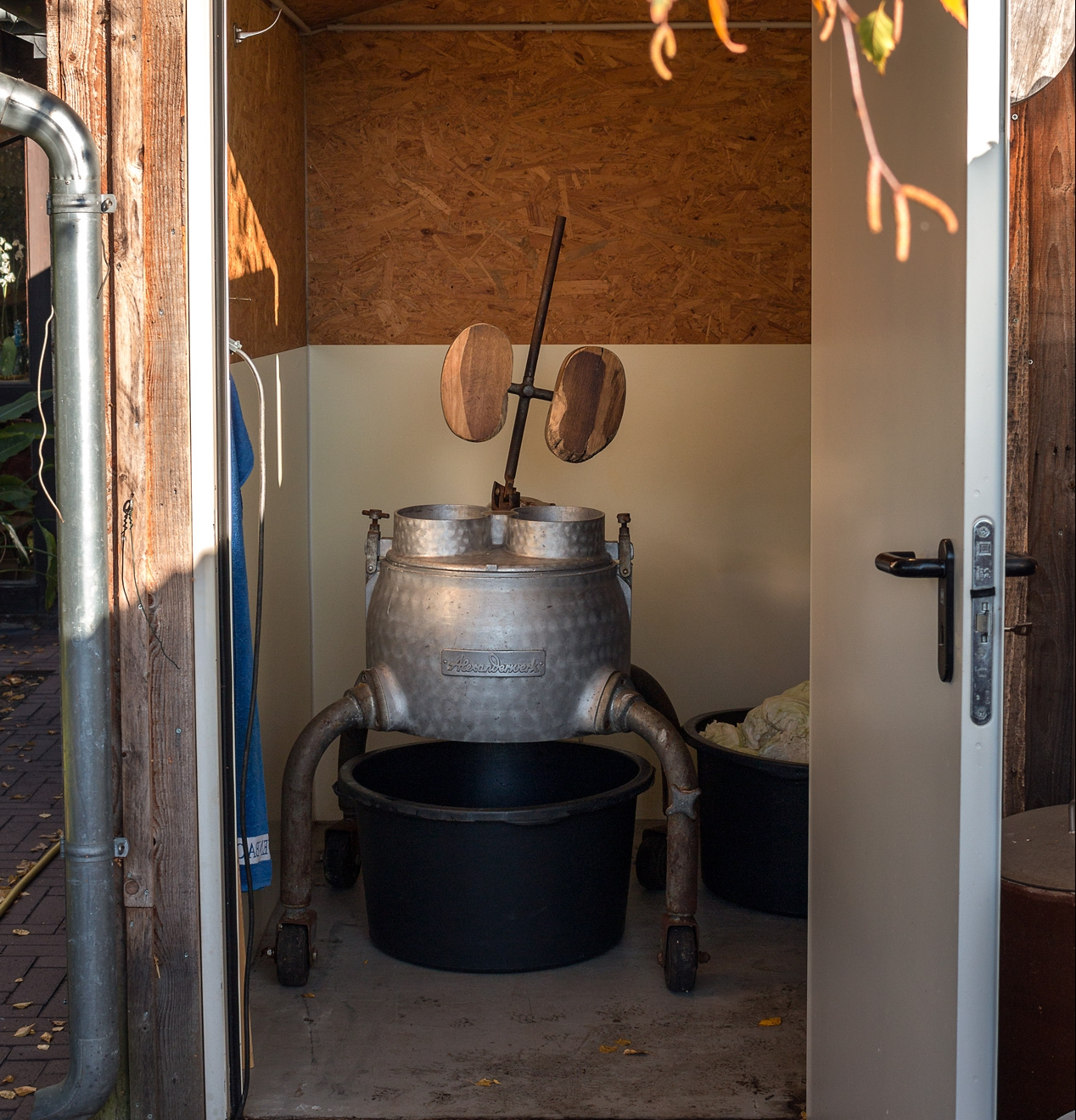 Raspelmaschine im Sauerkrauthaus